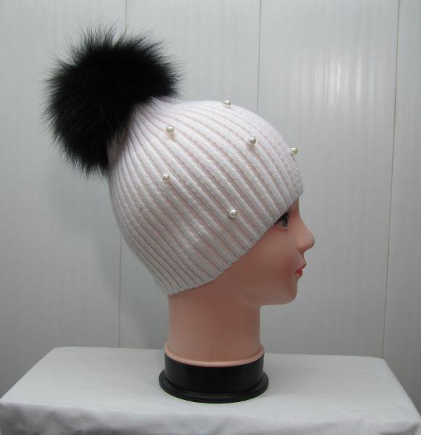 Вязаная шапка с бубоном М-001