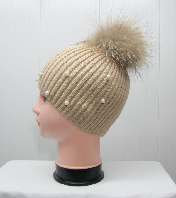 Вязаная шапка с бубоном М-002