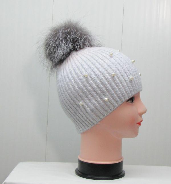 Вязаная шапка с бубоном М-003