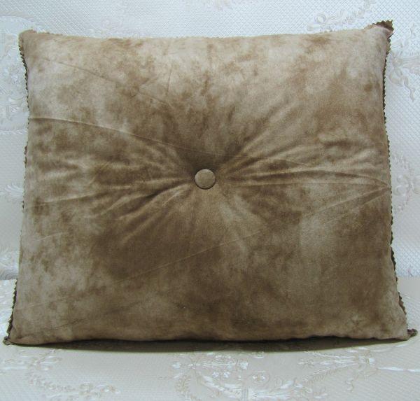 Подушка для интерьера, декора и отдыха М-016
