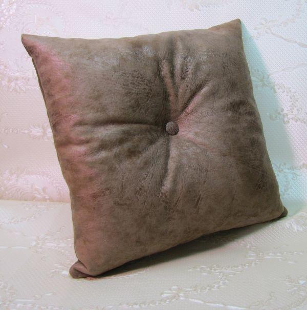 Подушка для интерьера, декора и отдыха М-033