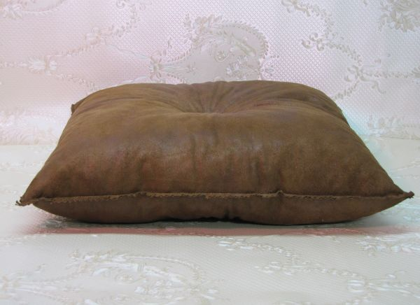 Подушка для интерьера, декора и отдыха М-035