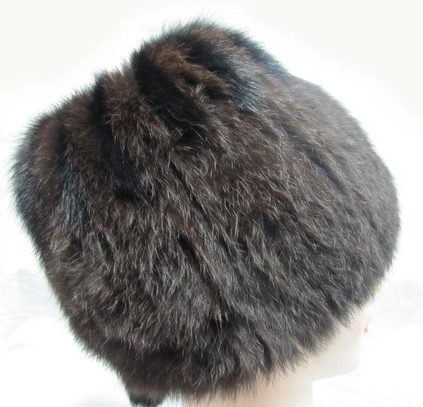Меховая женская шапка из кролика с песцом М-008-К